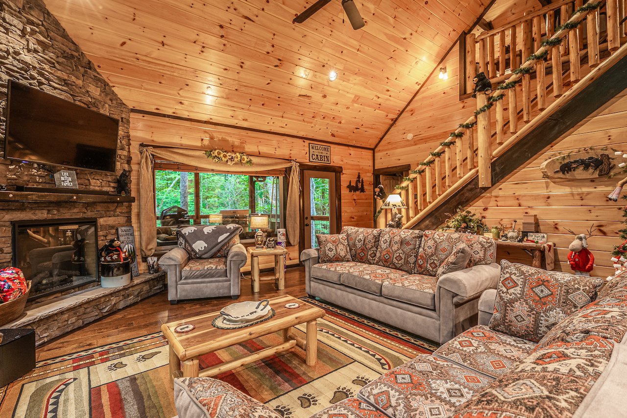 Living room - cabin - Sevierville